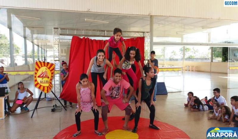 Imagem destaque notícia Serviço de Convivência e Fortalecimento de Vínculos do CRAS, através da Oficina de Arte Circense, realiza espetáculo em Comemoração ao Dia das Crianças